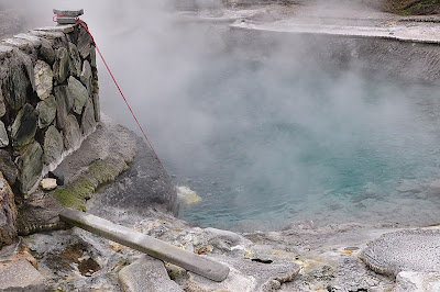 cooking corn in thermal pool