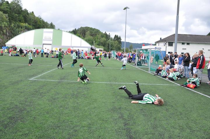 Mange gode prestasjoner og resultater av Staal i Lyngdal Cup 2010. Det jobbes godt blant ungene og det vises.