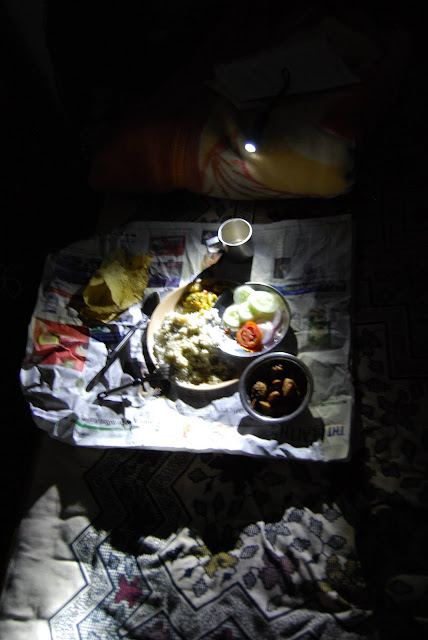 Романтичный ужин при фонарике