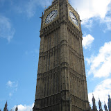 Big Ben som ser maffig ut när man kommer upp ur Westminster stationen