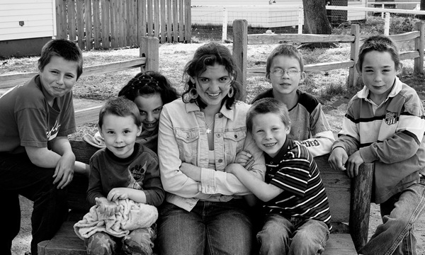 All 7 kids May 2009 b-w