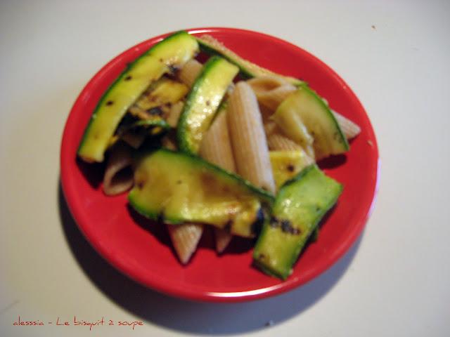 Pennette integrali con zucchine grigliate