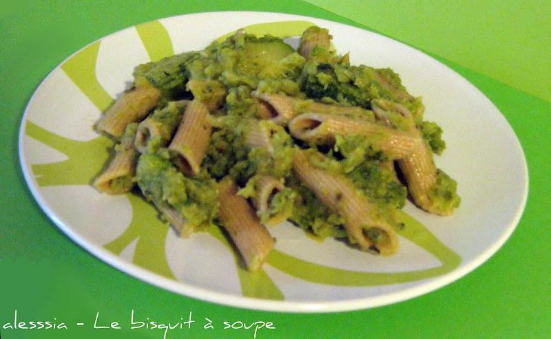 Pennette integrali alla crema profumata di zucchine