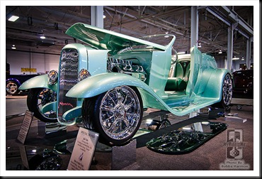 Richard_and_Paige_Udell_1932_Ford