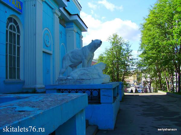Площадь Спорта в Мурманске