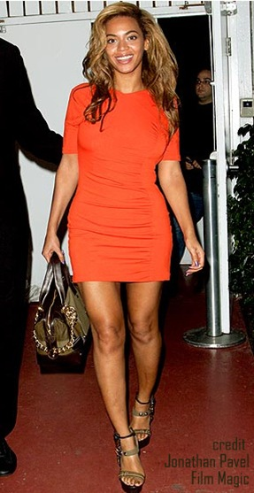 beyonce in a cute dress.bmp