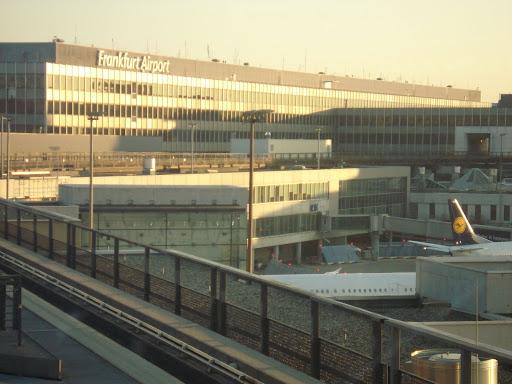 مطار فرانكفورت الدولي DSC01647.JPG