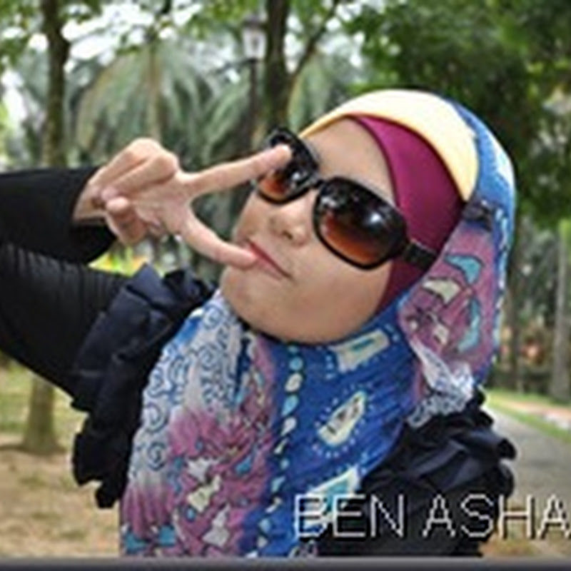 Tiru gaya Awek Blogger !!