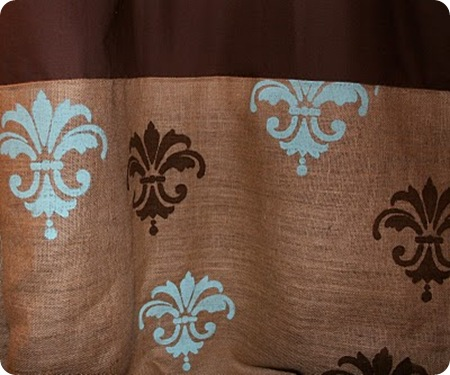 Burlap Stencil @ Persnickety Peacock