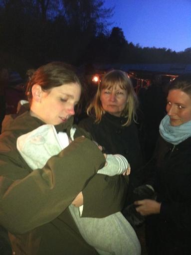 Lena, Malin och Erik kom ner till Vinterviken