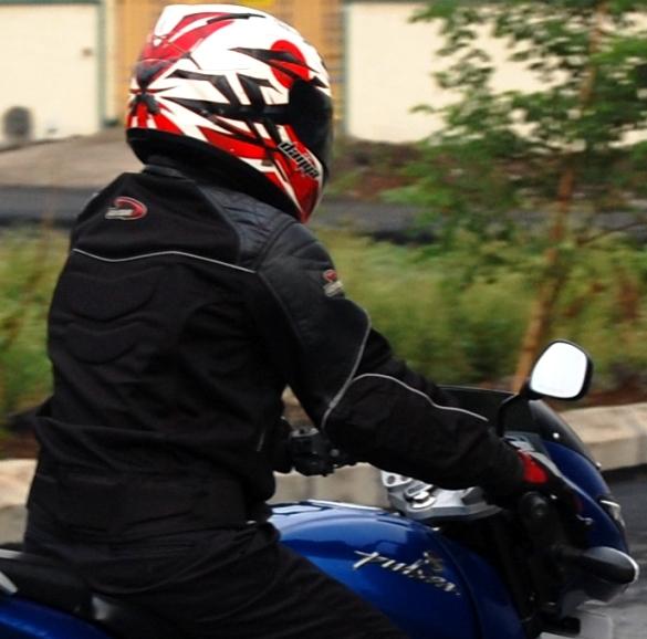Summer Riding Gear: DSG Maze Jacket & DSG Motomesh Gloves