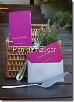 menu con cesta y tenedor en pasarela
