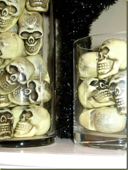 skulls in jar