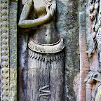 Thommanon Devata (sacred female image) detail of pleated sampot. Siem Reap, Cambodia http://www.Devata.org