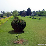 The well kept grounds of Rajarani temple provide a verdant background for it's beautiful images.