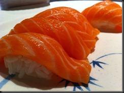 Minato - Salmon Sushi 2 040911