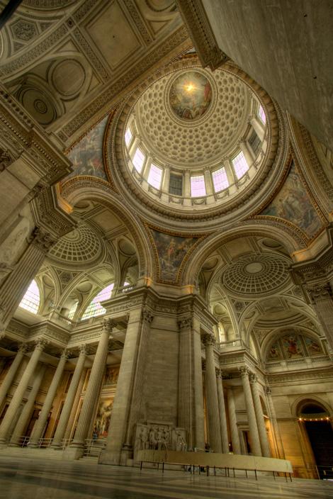 Intérieur_du_Panthéon.jpg