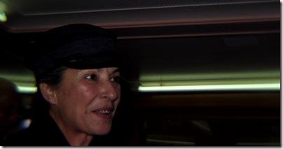 Andrea Thüler - Vor der Premiere auf der Stadt Bern - mit Hut