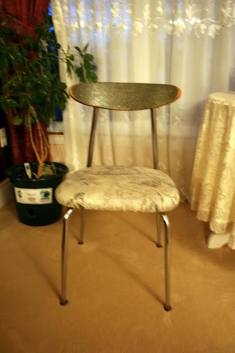 圣诞装饰,给旧椅子换上新衣服 - celia_zhang_ca - 画船听雨的博客