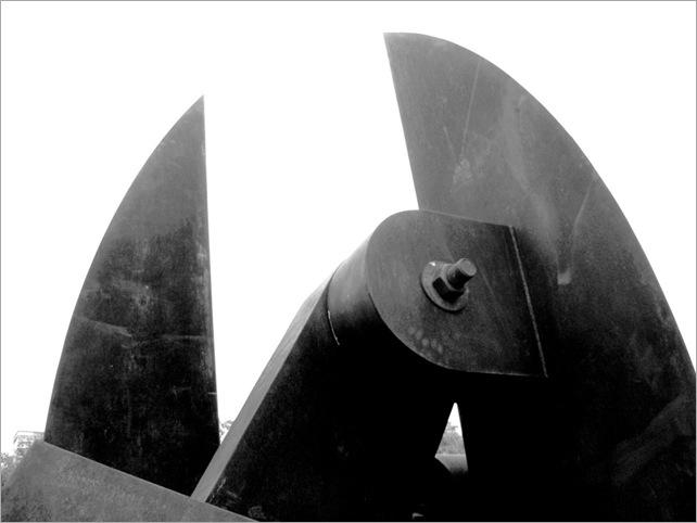Bastón Díaz - Paseo de las esculturas - Plaza Rubén Darío (4)
