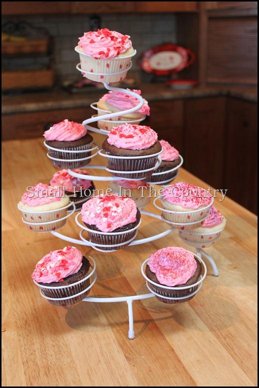 Valentines cupcakes 055