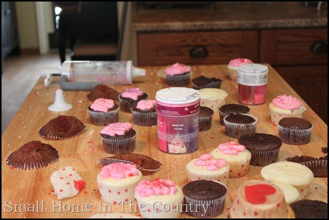 Valentines cupcakes 042