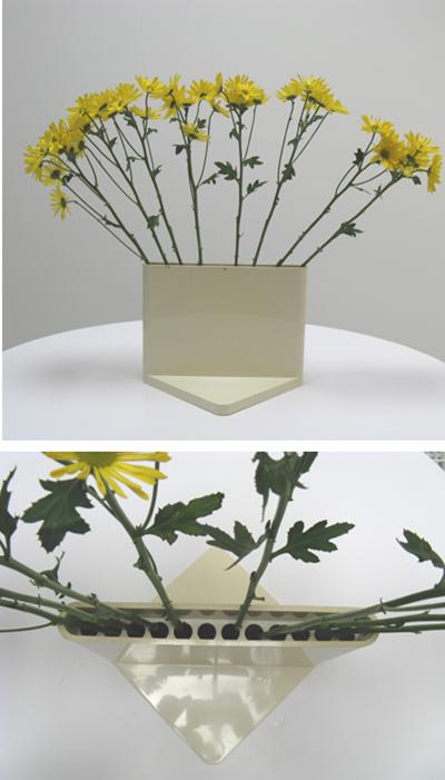 4690 vase, white
