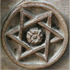 Wood-Carving-hexagram