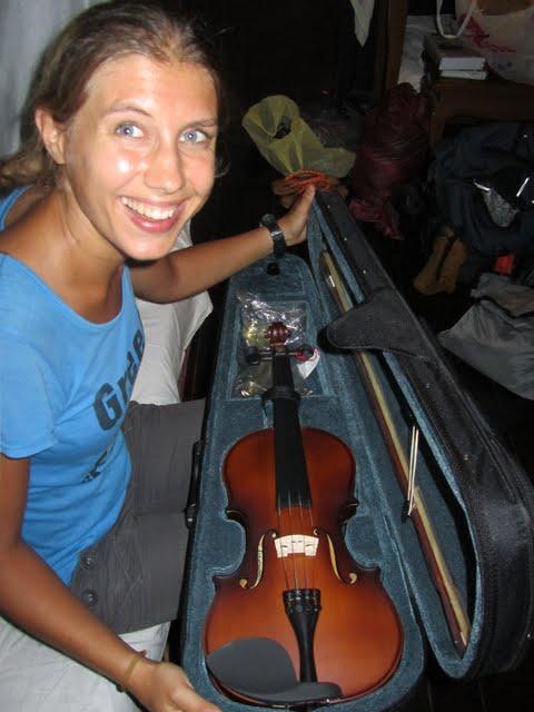 buying a violin in Myanmar