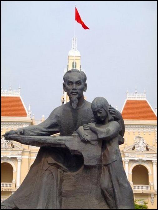 Saigon Street 165304_495618606117_522021117_6067264_3697631_n