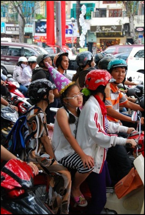 Saigon Street Traffic http://global-citizen-01.blogspot.com