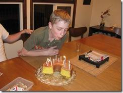 Wills bday cake 06