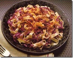 Pasta_w_Onions_&_Red_Cabbage