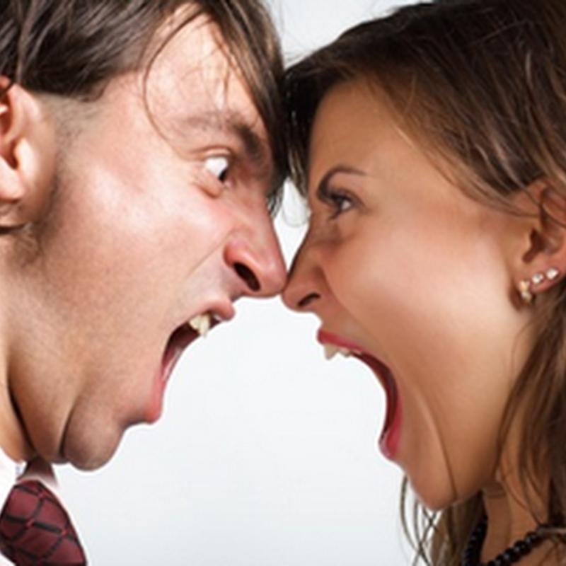4 conflictos seguros de una pareja geek