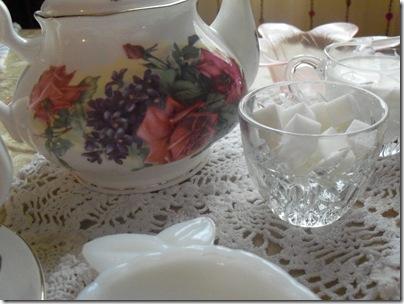 Matching teapot gift tea 010
