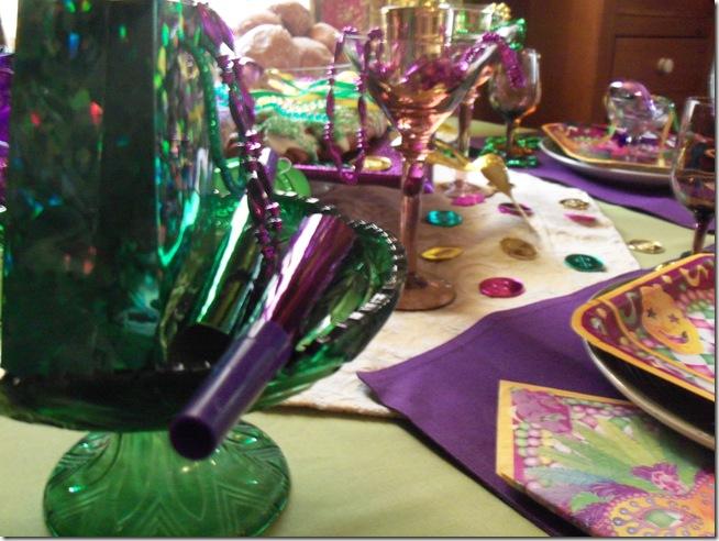 Mardi Gras tablescape 028
