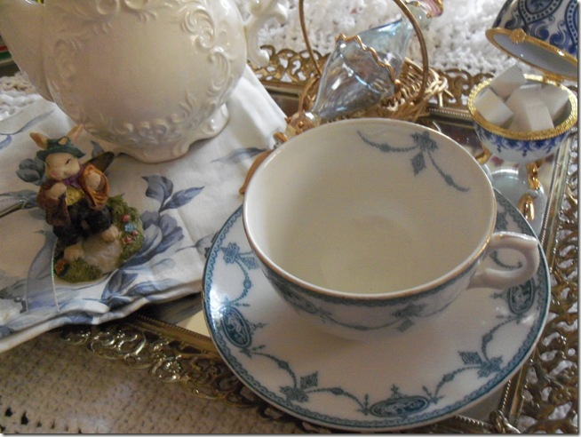 Antique blue teacup 014