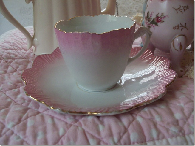 soft and pretty pink tea 011
