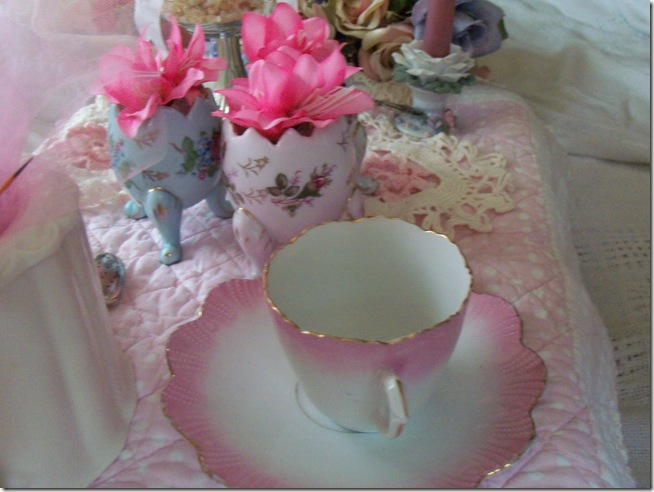 soft and pretty pink tea 016