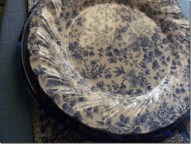 Blue chintz table with food 004