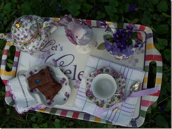 tea among the violets 023