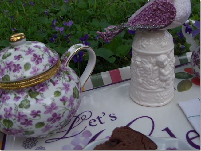 tea among the violets 019