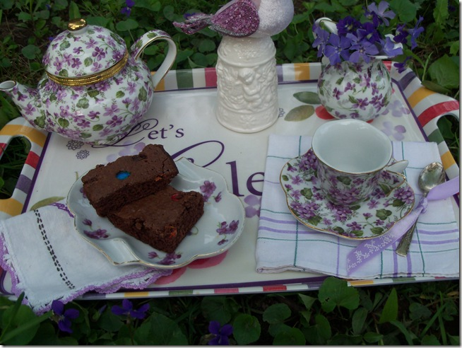 tea among the violets 014