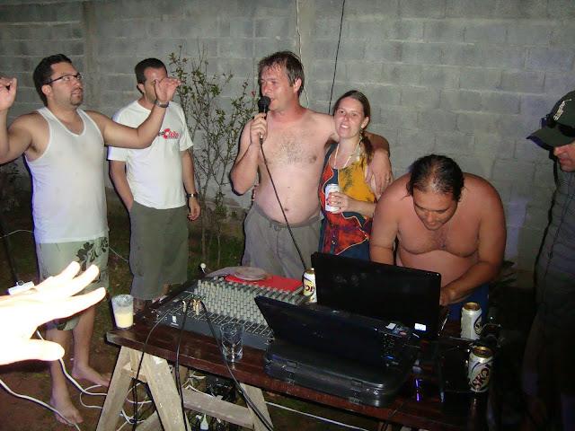 Fotos e comentarios sobre a festa MC 2010 Embu-guaçu - Página 4 DSC01072