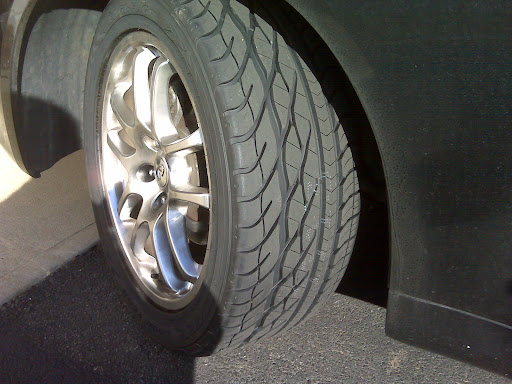 fits 7.5 to 9 inch rims.
