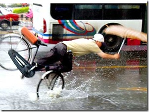 funny-photo-man-falling-rain