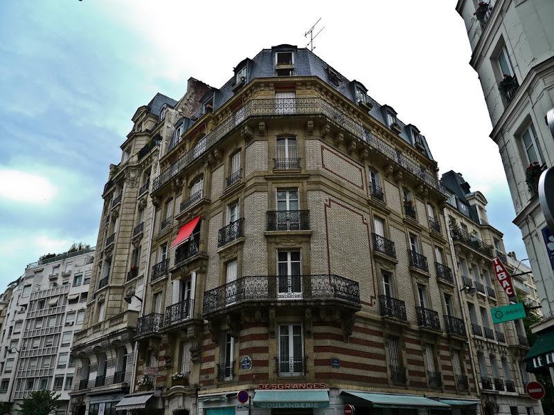 Paris: Jardins - Facades P1000605