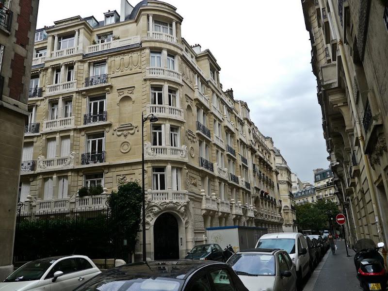 Paris: Jardins - Facades P1000626