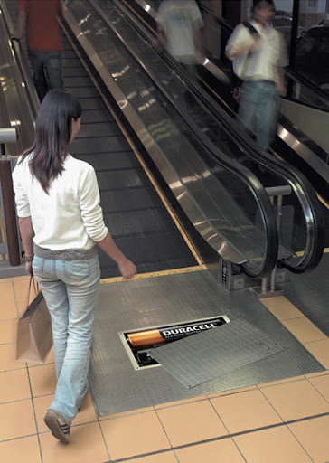 Duracell Escalator Advertisement