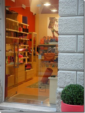 leather store-Trapani